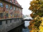 Altes Rathaus im Herbst